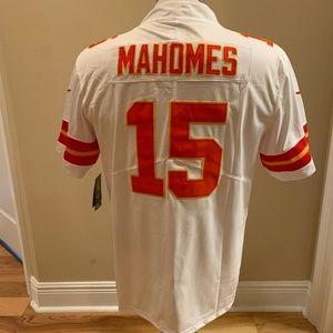 White Pat Mahomes #15 Kansas City Chiefs Jersey!!